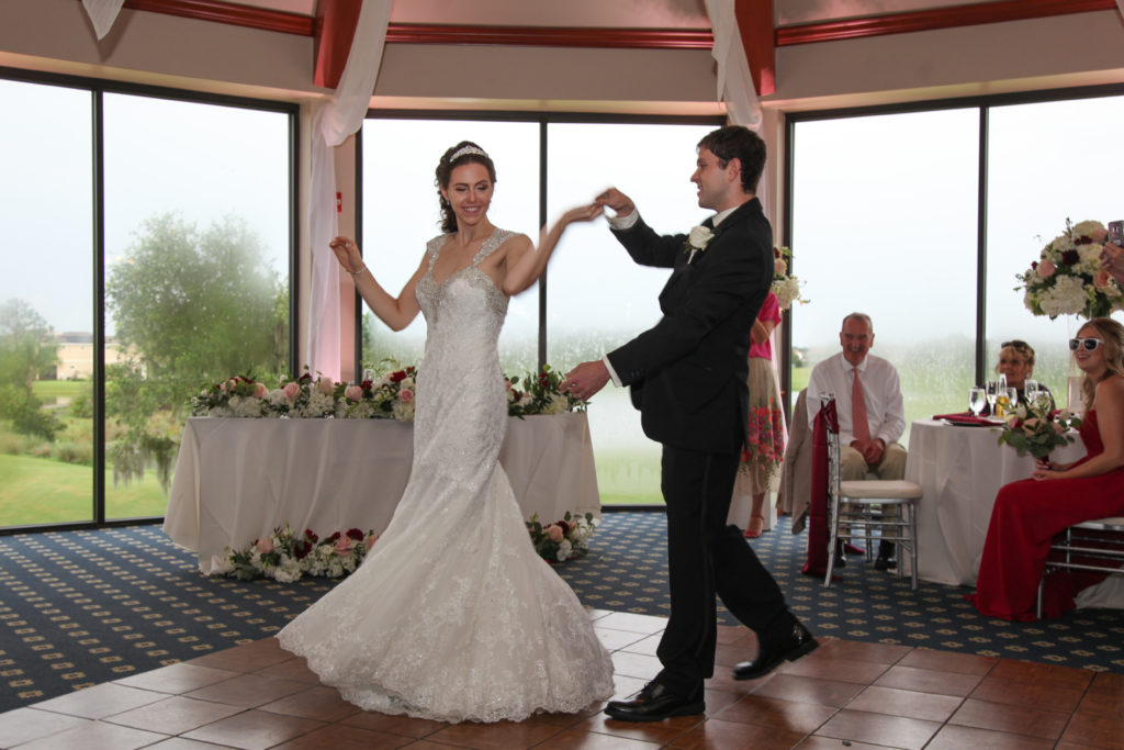 7 Songs to End the Night at your wedding