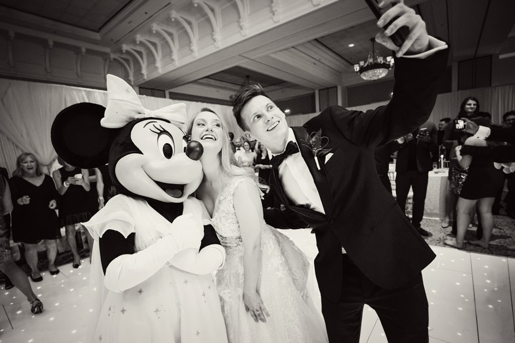 Mickey mouse disney wedding