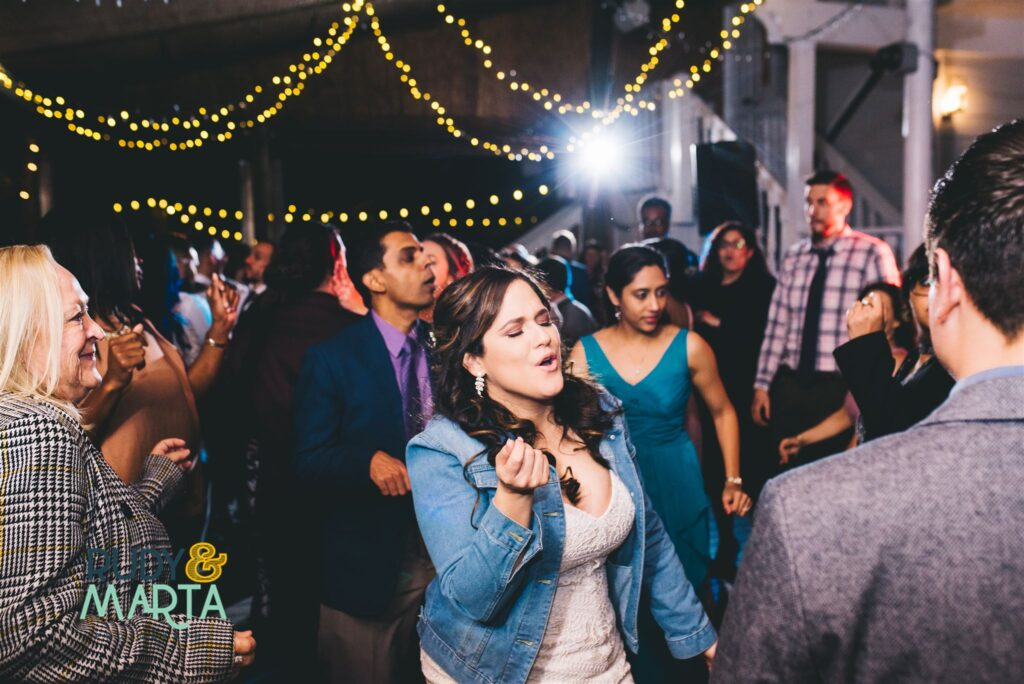 How to ensure a full dance floor all night